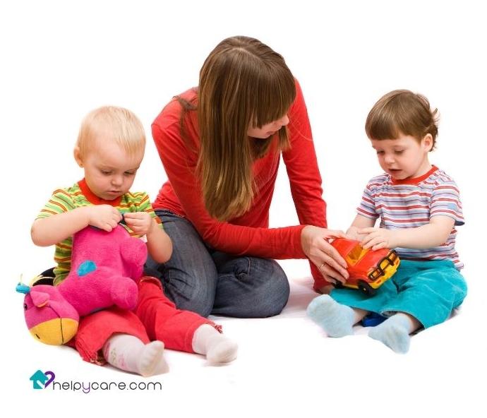 cuidadora de niños a domicilio
