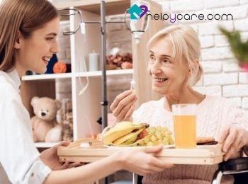 Cuidadora respalda el estado nutricional del anciano